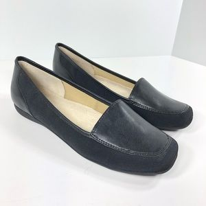 Trotters Sz 10N Black Loafers Flats NEW NWOB
